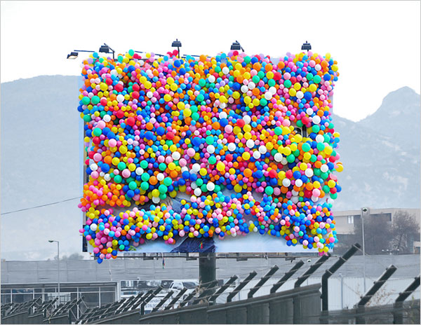 DESIGUAL-STORE-OPENING-Billboard-campaign-1